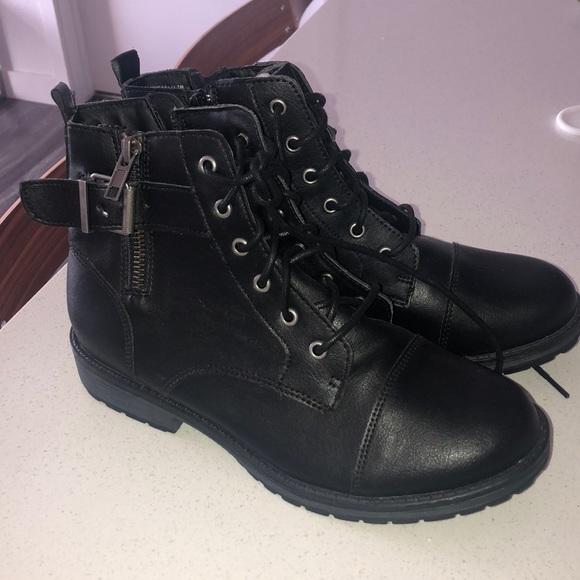 girls short black boots
